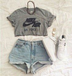 top look love swag summer like nikr nike fashion style india love shorts seag summer top simple summer pants summer shorts nike sweater nike running shoes jewels shoes shorts shorts shorts shorts outfits shorts Teenage Outfits, Teen Fashion Outfits, Nike Outfits, Outfits For Teens, Nike Fashion, Hipster School Outfits, Fashion Shoes, Fitness Outfits, Adidas Outfit