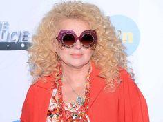 Round Sunglasses, Vogue, Celebrities, Hot, Salads, Icons, Wall, Fashion, Beauty