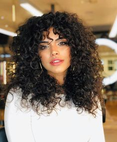 Long Layered Curly Hair, Layered Curly Haircuts, Colored Curly Hair, Haircuts For Curly Hair, Curly Hair Tips, Curled Hairstyles, Curly Hair Layers, Latina Hairstyles, Highlights Curly Hair