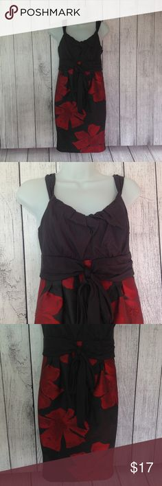 """Red and Black Formal Cocktail Mini Dress Maker: M.S.S.P. - Max Studio Specialty Products ♥ Material: Shell is 92% Polyester & 8% SPandex --- Lining is 53% Viscose & 47% Polyester ♥ Color: Black and Red ♥ Measured Size: Pit to pit- 16"""" Pit to cuff- n.a Shoulder to bottom- 34""""  ♥ Tag Size:  2 ♥ Actual Size: 2 PLEASE CHECK YOUR ACTUAL MEASUREMENTS TO MAKE SURE IT IS THE RIGHT SIZE! THANKS! ♥ Condition: Great Used Condition ♥ Item #: (office use only) B   INSTAGRAM-thehausofvintage1984 Facebook…"""