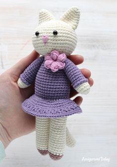Amigurumi kitty in lilac dress - free pattern