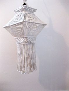 vintage // hanging macrame pendant by JerushadVintage Macrame Design, Macrame Art, Macrame Projects, Macrame Knots, Macrame Jewelry, Macrame Patterns, Plant Hanger, Weaving, Crafty