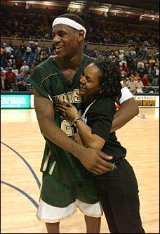 lebron james & mom