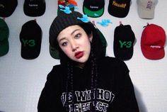 "Korean Street Fashion - Drug Without Side Effect ""Flocking Hoodie"" (Instagram - yuzzacha)"
