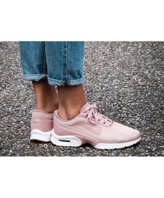 Nike Air Max Jewell SE Particle Pink Gum Ivory Trainer Cute Sneakers, Air Max Sneakers, Sneakers Nike, Nike Air Max For Women, Nike Women, Nike Air Max Trainers, Air Max 95, Ivory, Pink