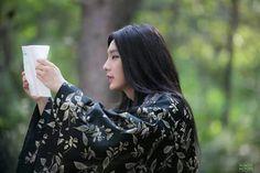 "Joseon-era vampire Kdrama ""Scholar who walks the night"" - Lee Joon Gi finally lets his hair down..."