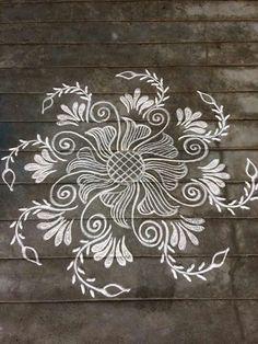 Rangoli Patterns, Rangoli Kolam Designs, Rangoli Ideas, Kolam Rangoli, Flower Rangoli, Mehandi Designs, Free Hand Rangoli Design, Small Rangoli Design, Rangoli Designs With Dots