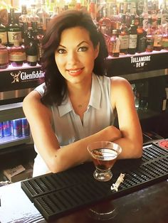 Second Life: How a 40-Something Decided to Turn Bartending Into a Career via @MyDomaine