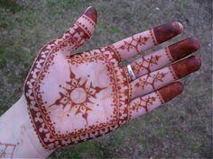 My hand with a design inspired by Loretta Roome. Henna Tattoos, Tatoos, Cool Tattoos, Henna Art, Mehendi, Mehndi Designs, Paisley, Palm, Creations