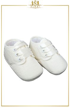 BABY BOYS FORMAL IVORY LACE UP CHRISTENING SHOES / BOOTIES. Shop now at SIRRI kids #shoes for boys ideal for #wedding #communion online...Elegant fashion for children and men. #fashion #shopping