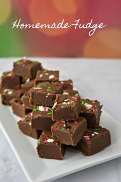 Old Fashioned Chocolate Peanut Butter Fudge - Juggling Act Mama Happy Christmas Day, Christmas Punch, Christmas Sweets, Christmas Recipes, Fudge Recipes, Candy Recipes, Baking Recipes, Roll Cookies, Cookie Bars