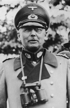 Életét veszti a Lengyelország elleni hadművelet alapjait kidolgozó Generaloberst von Fritsch      Varsó Praga városrészében halálosan megsebesül GeneraloberstWerner Thomas Ludwig Freiherr von Fritsch, a Lengyelország elleni hadművelet, a Fall Weiss (Fehér Terv) alapjait kidolgozó tábornok.   Werner von Fritsch   Varsót...
