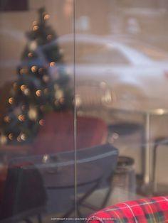 지난 크리스마스의 저 자리는 당신을 위해 남겨놓았던 그런 것이었나보다.