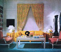 retro furniture and home decor 1970s Living Room, Retro Living Rooms, 1970s Decor, 70s Home Decor, Scandinavian Interior Design, Interior Design Living Room, Interior Office, Retro Room, Interior Design Magazine