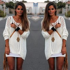 love white big sweater and tight skirt!~