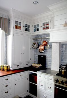 Blue subway tile, white cabinets I want this for my kitchen! Upper Cabinets, White Kitchen Cabinets, Kitchen Cabinet Design, Kitchen Redo, New Kitchen, Kitchen Ideas, Kitchen Corner, Corner Cabinets, Kitchen Storage