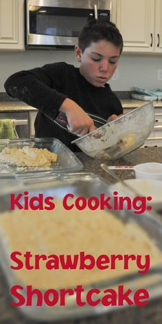 ► Kids Cooking - Homemade Strawberry Shortcake. We have found lots of ways to make this, but this is the best way to feed several people. Check it out: http://gmsoap.co/UcHCCa #recipe #dessert #yummy