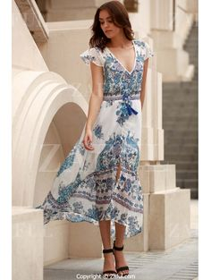 Plunging Neck Peacock Print Flowing Dress BLUE: Maxi Dresses | ZAFUL