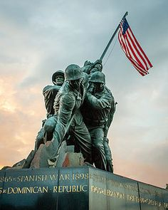 Iwo Jima Memorial in Washington DC, honoring the men and women of the USMC. Thank you for your sacrifice and commitment to the United States Marines, both veterans and active duty.