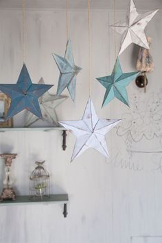 Tutorial on how to make paper stars from a Japanese stockist. Star Decorations, Paper Stars, Paper Folding, Xmas, Christmas, Chalk Paint, First Birthdays, Garland, Origami
