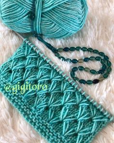This Pin was discovered by FAN Baby Hats Knitting, Easy Knitting, Baby Knitting Patterns, Knitting Stitches, Knitting Designs, Stitch Patterns, Crochet Patterns, Diy Crafts Knitting, Diy Crafts Crochet