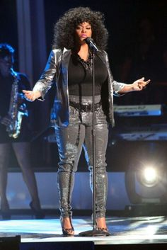 Miss Jill Scott!  She knows what suits her and how to dress for those curves.