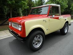 International Harvester : Scout  I literally love this car so much and have no idea why...