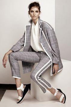 Имя дизайнера готовы носить Коллекция Весна-Лето 2014 в Париже показ мод