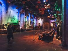 Looking for tips for the Harry Potter Studio Tour in London? Check out this guide that will tell you what to expect, food options, getting there & more...   Harry Potter studios London   Harry Potter Warner Bros.   Harry Potter Studio London Photography   Warner bros studio tour London   Warner bros studio tour London Harry Potter   Warner bros studio tour London Instagram   Warner bros studio tour London tips   Warner bros studio tour London Food   London Tips   Harry Potter Tour   Travel…