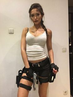 halloween fantasias 10 Cosplay Pictures of today for Cinema Lovers Lara Croft Cosplay Costume Halloween, Mode Halloween, Trendy Halloween, Halloween Ideas, Scary Halloween, Halloween Costumes Women Creative, Halloween Outfits For Women, Party Costumes, Halloween Movies