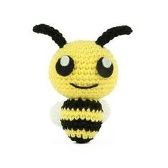 Free crochet pattern for amigurumi bee Crochet Bee, Crochet Amigurumi Free Patterns, Crochet For Kids, Crochet Toys, Free Crochet, Animal Crossing Game, Fox Pattern, Cute Mouse, Yarn Crafts