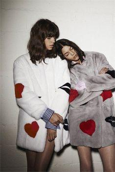 Antonina Petkovic and Kate Bogucharskaia for MSGM, Fall/Winter 2014 Fur Fashion, Winter Fashion, Womens Fashion, Fashion Trends, Sporty Fashion, Fashion 2020, Modern Fashion, Fashion Bloggers, Style Fashion