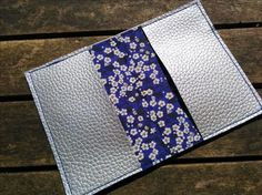Discover recipes, home ideas, style inspiration and other ideas to try. Couture Main, Coin Couture, Blog Couture, Sewing Online, Jw Gifts, Diy Clutch, Diy And Crafts, Handmade Gifts, Occasion