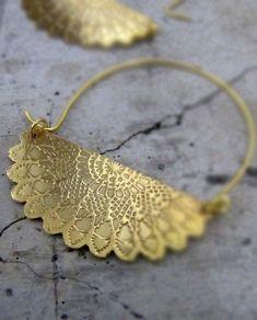 Gold Sunflower Hoop Earrings, via Etsy Jewelry Box, Jewelry Accessories, Fashion Accessories, Jewelry Design, Fashion Jewelry, Jewelry Making, Jewlery, Bold Jewelry, Designer Jewelry