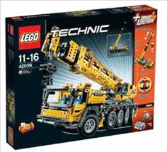Black Friday 2014 LEGO Technic 42009 Mobile Crane MK II from LEGO Cyber Monday. Black Friday specials on the season most-wanted Christmas gifts. Lego Building Sets, Lego Sets, Model Building, Lego Technic, Crayola Pens, Mobiles, Technique Lego, Crawler Crane, Black Friday Specials