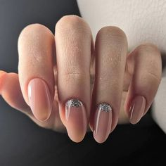 Nail Shapes - My Cool Nail Designs Nude Nails With Glitter, Glitter Nail Art, Beautiful Nail Designs, Cool Nail Designs, Long Oval Nails, Oval Acrylic Nails, Trendy Nail Art, Burgundy Nails, Super Nails