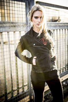 Biker Jacke von Urban Classic #urbanclassics #urban #classics #bikerjacke #jacke #übergangsjacke #streetstyle #streetwear #fashion #mode #forwomen #empstyle