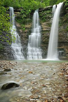 Top Buffalo River Hiking Trails in Arkansas Finest Scenery Buffalo National River Cabins Canoeing in Beautiful Ponca Arkansas Oh The Places You'll Go, Places To Travel, Travel Destinations, Arkansas Waterfalls, Chutes Victoria, Arkansas Vacations, Ponca Arkansas, Arkansas Usa, Twin Falls