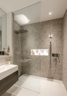 A beautiful shower room / London Basement