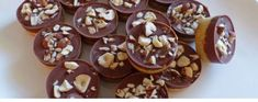 Arabic Food, Beignets, Christmas Traditions, Toffee, Doughnut, Biscotti, Caramel, Cereal, Sweet Treats