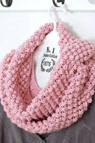 As White I Know Blackberry stitches . Crochet Scarves, Crochet Shawl, Knit Crochet, Knitting Stitches, Baby Knitting, Knitting Patterns, Crochet Patterns, Crochet Slippers, Cute Crochet