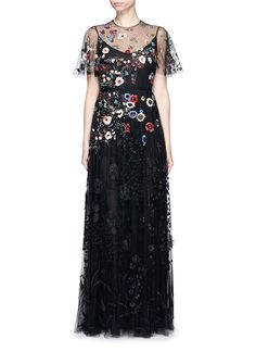 VALENTINO Floral Embroidery Bead Appliqué Tulle Gown. #valentino #cloth #gown