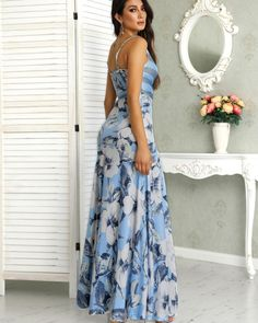Look at this Trendy casual woman clothingShop Floral Print Wrapped Tied Side Maxi Dress – Discover sexy women fashion at IVRose Trend Fashion, Floral Fashion, Womens Fashion, Fashion Ideas, Modest Dresses, Casual Dresses, Summer Dresses, Maxi Dresses, Floral Dresses