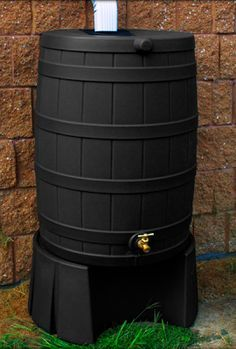 This is a great blog with lots of tips on how to care for your rain barrel in season and out!   Rain Barrel Resource: Rain Barrel Maintenance Tips  #rainbarrel #howto