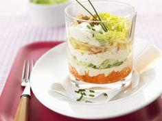 Schichtsalat mit Japankohl ist ein Rezept mit frischen Zutaten aus der Kategorie Gemüsesalat. Probieren Sie dieses und weitere Rezepte von EAT SMARTER!