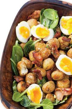 Sýty šalát s plátkami slaniny | Recepty.sk