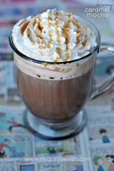 Skinny Caramel Mocha - Shugary Sweets only 150 calories. Yummy Drinks, Healthy Drinks, Fun Drinks, Healthy Recipes, Beverages, Smoothies, Smoothie Drinks, Orange Smoothie, Cocoa