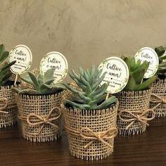 Wedding Gifts For Guests, Wedding Favours, Wedding Prep, Diy Wedding, Deco Boheme Chic, Flower Shop Design, Pioneer Gifts, Bridal Shower, Baby Shower