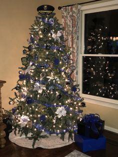 Police themed Christmas tree Blue Christmas Decor, Office Christmas Party, Christmas Tree Themes, Christmas Door, Holiday Tree, Holiday Fun, Christmas Crafts, Xmas Trees, Christmas Stuff