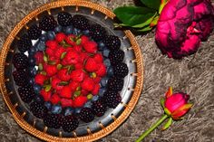 A #healthy and #delicious #fruit bowl that unsurprisingly tastes #berry nice